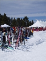 Many festival-goers arrive at the Mountaintop Picnic on skis.